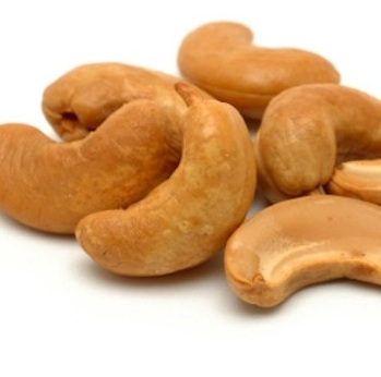 Beautiful_Cashews_nuts