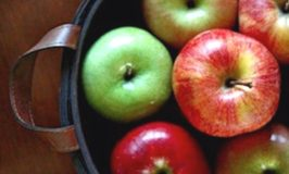 Our Favorite Healthy Apple Recipes