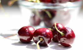 Here's Why Cherries are a Summer Superfruit